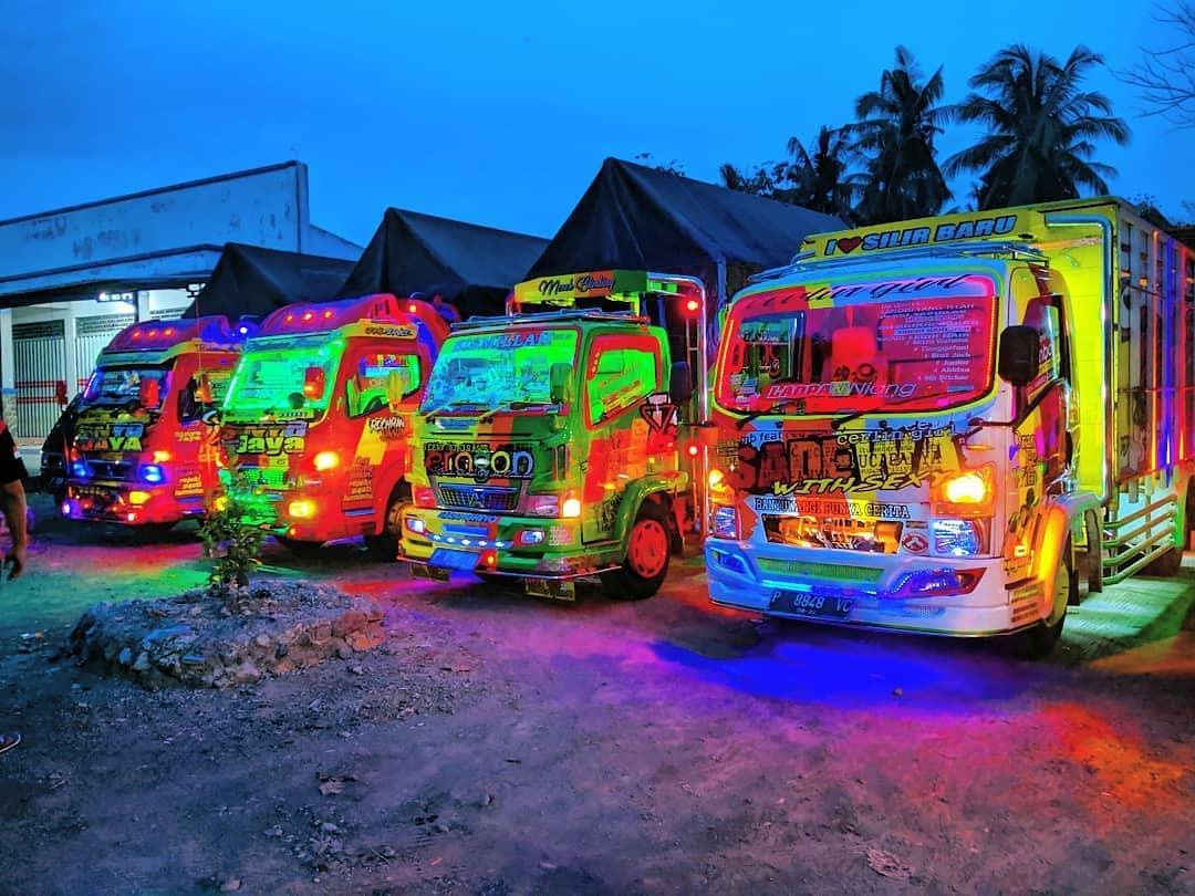Lampu truk yang dimodifikasi